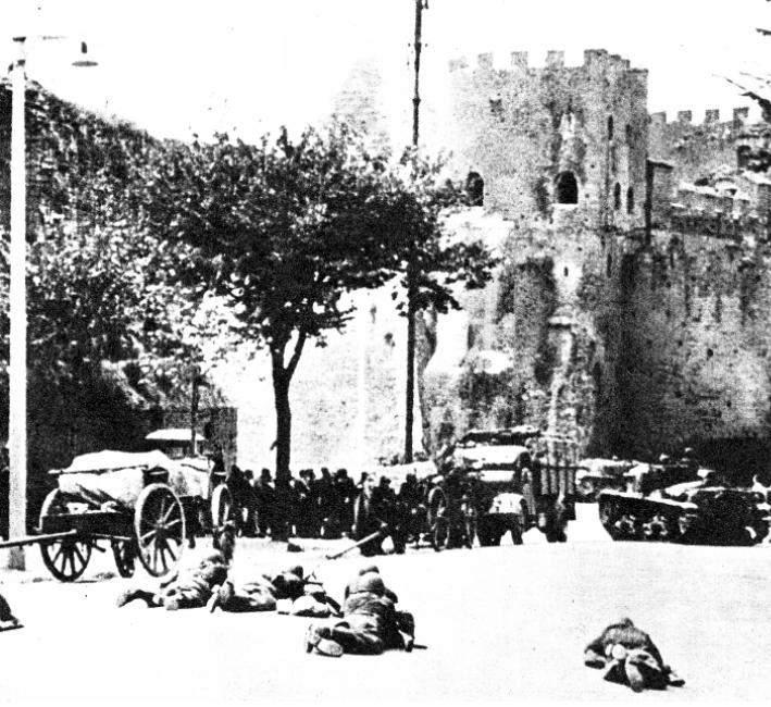 Reparti italiani resistono a Porta S. Paolo all'occupazione tedesca di Roma.