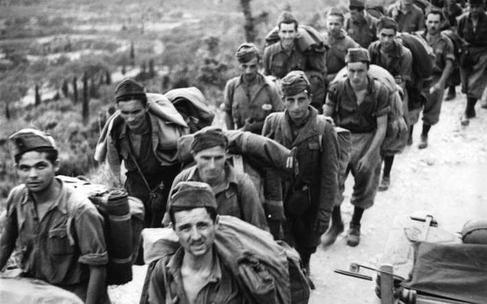 Soldati italiani prigionieri a Cefalonia.