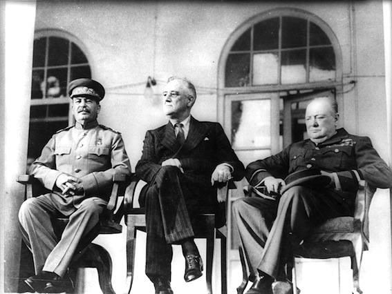 Churchill, Roosvelt e Stalin a Teheran.
