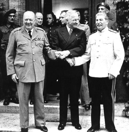 Churchill, Truman e Stalin alla conferenza di Potsdam.