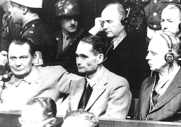 Goering e Hess tra gli imputati al processo di Norimberga.
