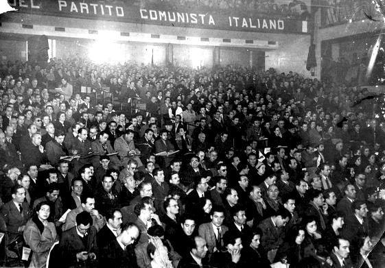 I delegati al V congresso del PCI a Milano.