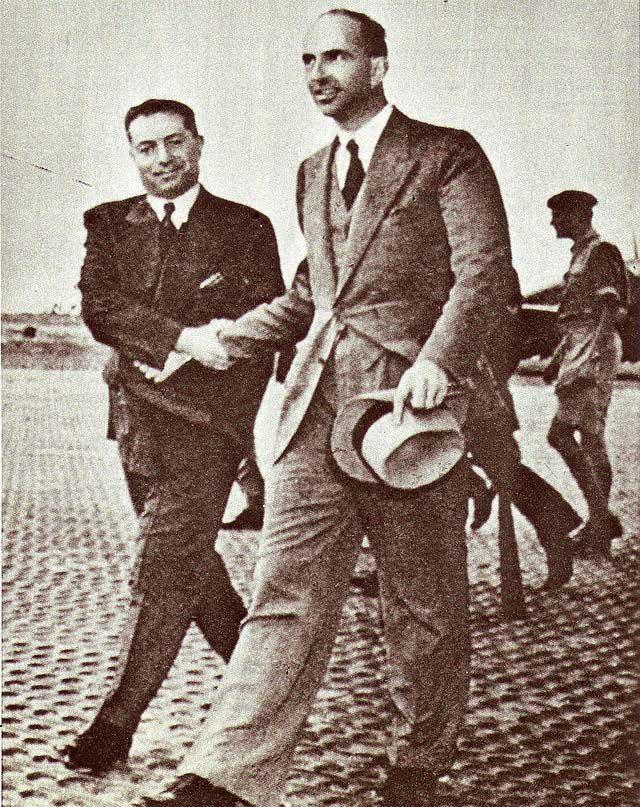 Umberto II in partenza per l'esilio dall'aeroporto di Ciampino.