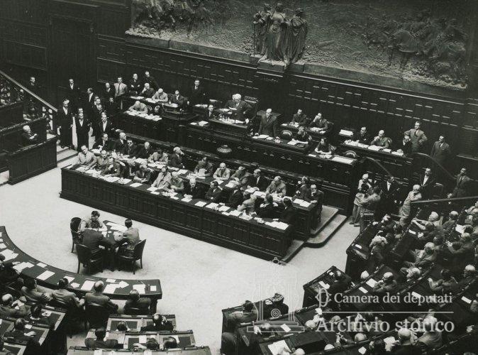 La prima seduta dell'Assemblea Costituente.