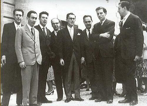 Il gruppo di promotori de Il Mulino, giovani studenti bolognesi tra cui Fabio Cavazza, Pierluigi Contessi, Federico Mancini, Nicola Matteucci e Luigi Pedrazzi.