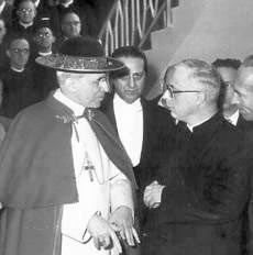 Padre Riccardo Lombardi con Pio XII.