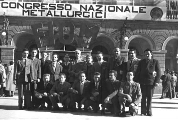 Un gruppo di delegati al congresso della Fiom del 1952.