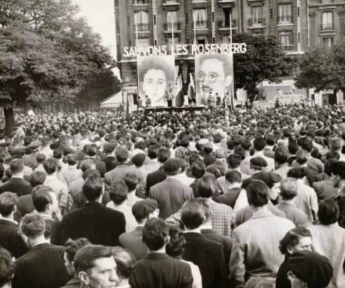 Manifestazione a Parigi contro la condanna a morte dei coniugi Rosenberg.