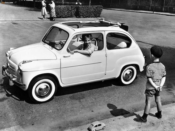 La Fiat 600 lanciata nel 1955 avrà un successo ampio e durevole.