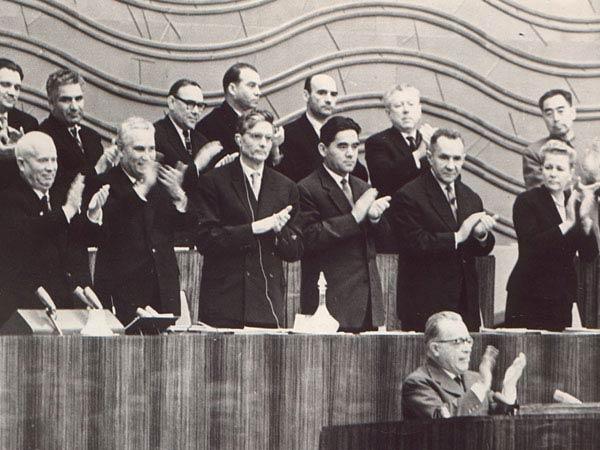Togliatti interviene al XX congresso.