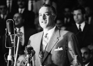 Il Presidente egiziano Nasser annuncia la nazionalizzazione del canale di Suez.