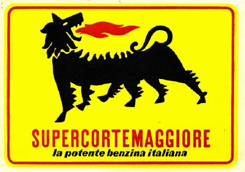 Il marchio Supercortemaggiore della benzina italiana dell'ENI.
