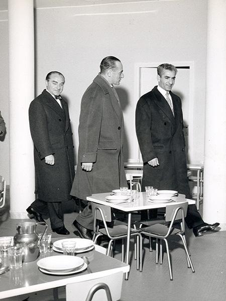 Enrico Mattei in Iran con lo Scià Reza Pahlavi.
