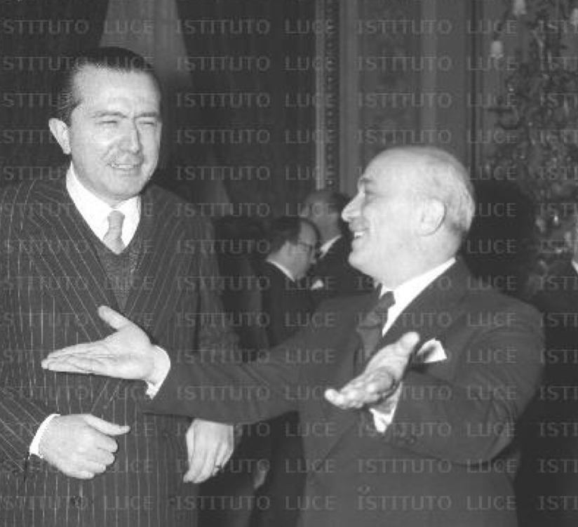 Amintore Fanfani con Giulio Andreotti nel 1958.