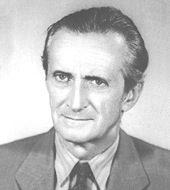Antonio Cederna, nei suoi articoli sul Mondo, sferzò la giunta capitolina denunciando scandali e speculazioni urbanistiche.