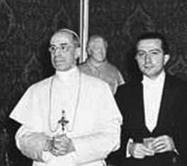 Gliulio Andreotti con il Papa Pio XII.