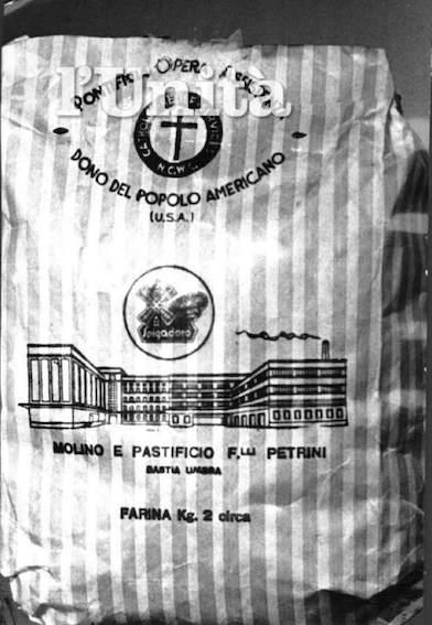 Sacchetti di farina donati dagli USA.