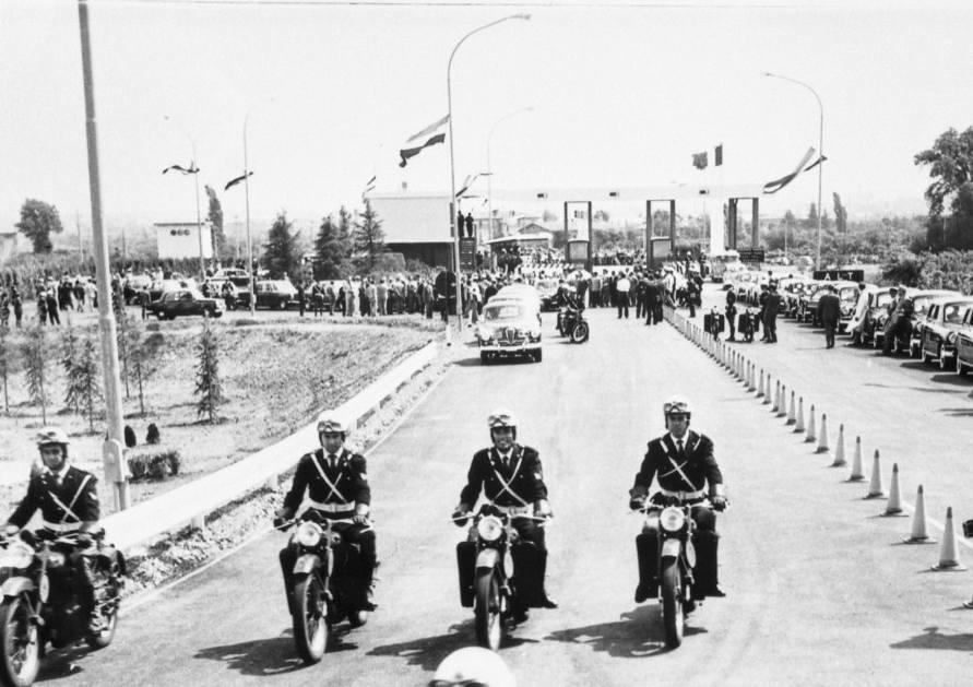 La cerimonia di inaugurazione dei lavori per il tratto autostradale Milano-Parma.
