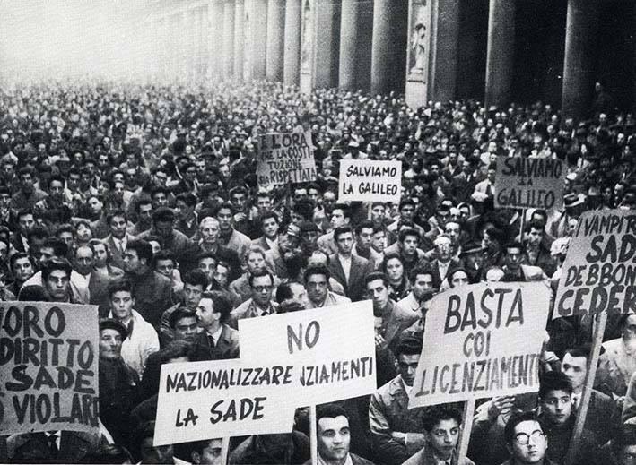 Manifestazione a sostegno dei lavoratori della Galileo.