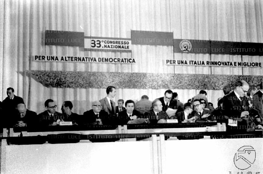 Il palco del XXXIII congresso del PSI.