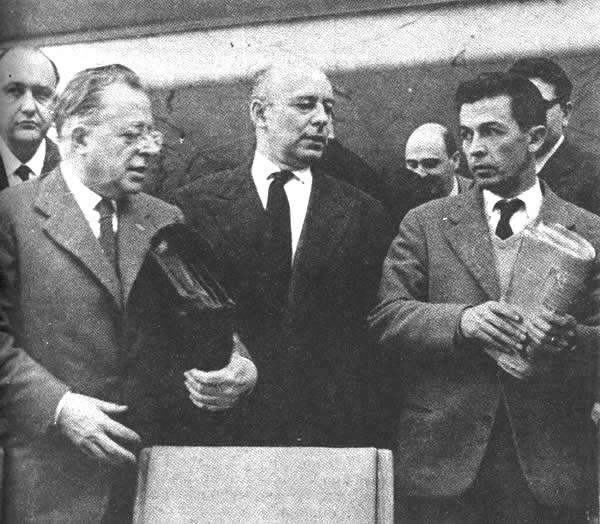 Togliatti, Pajetta e Berlinguer sul palco del IX congresso.