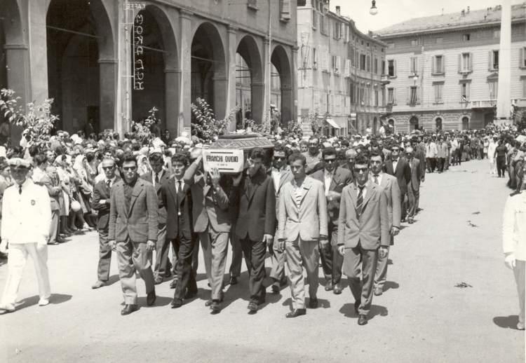 I funerali dei morti di Reggio Emilia.