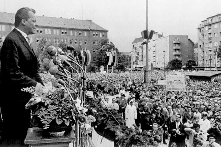 Willy Brandt durante la manifestazione del 16 agosto 1961.