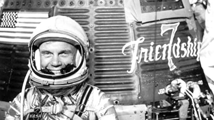 John Glenn e la sua navetta spaziale Friendship 7.
