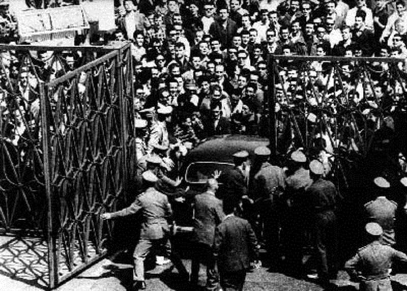 Agitazione operaia ai cancelli di Mirafiori nel luglio 62.