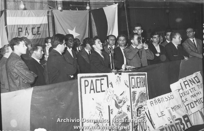 Manifestazione di solidarietà con Cuba a Matera.