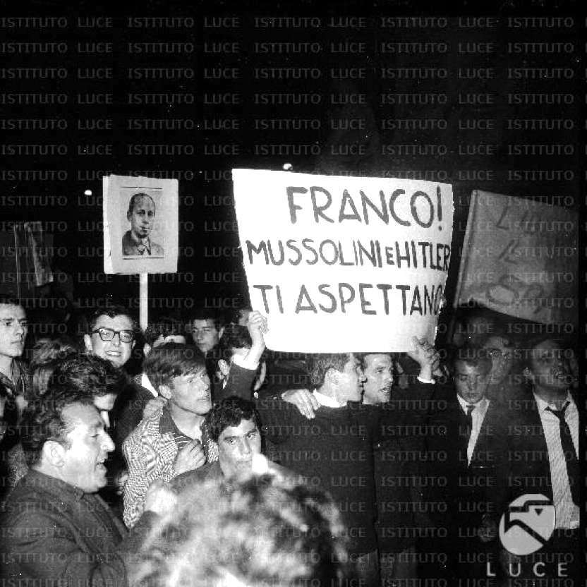 Manifestazione antifranchista a Roma