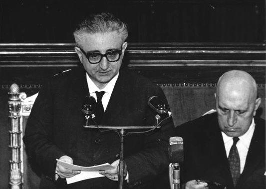 Giovanni Leone presenta il suo governo al Parlamento.