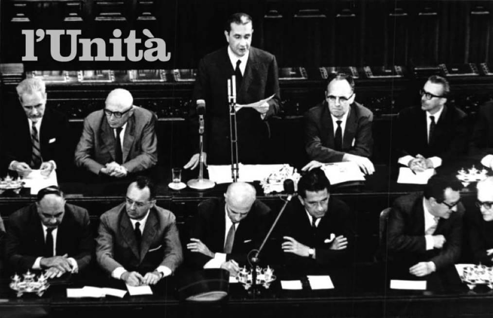 Moro presenta alle Camere il suo II governo.