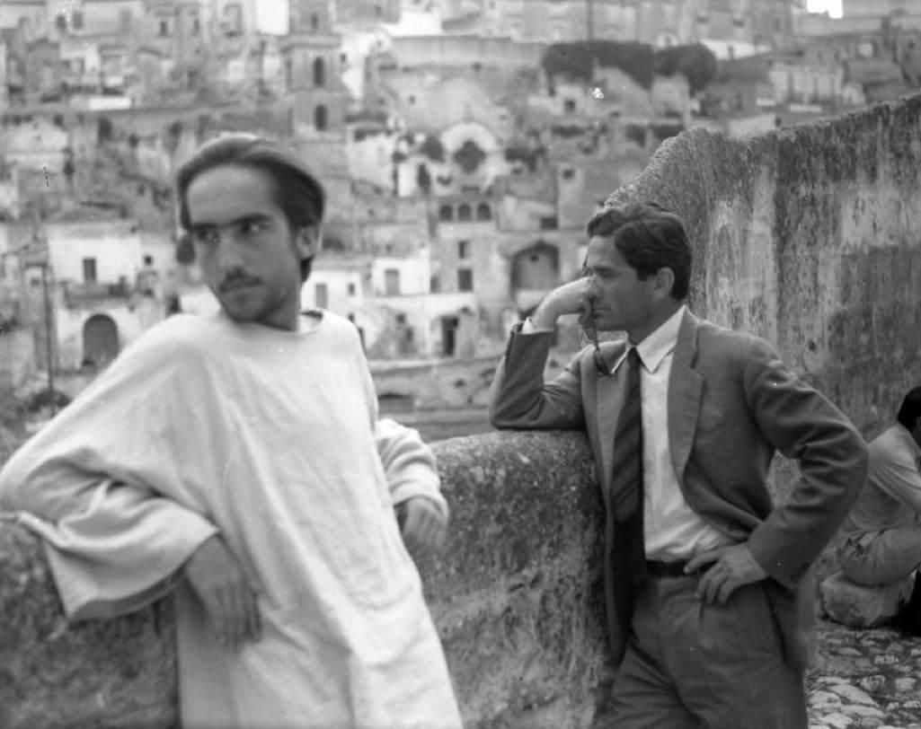 """Pasolini a Matera durante le riprese de """"Il Vangelo secondo Matteo""""."""