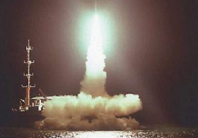 La partenza del razzo che lancia in orbita il satellite italiano San Marco.