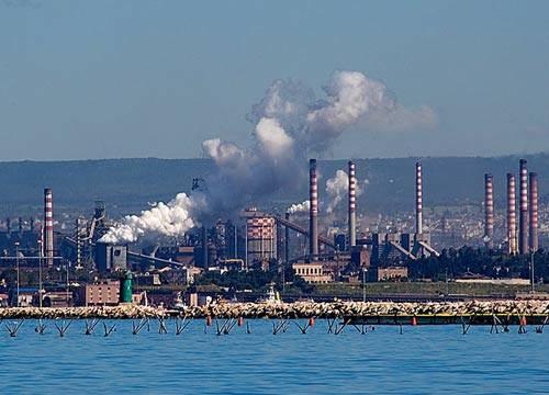 Gli stabilimenti Italsider di Taranto.