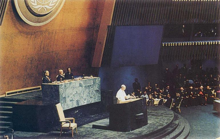 Paolo VI durante il suo intervento all'Assemblea Onu del 4 ottobre.