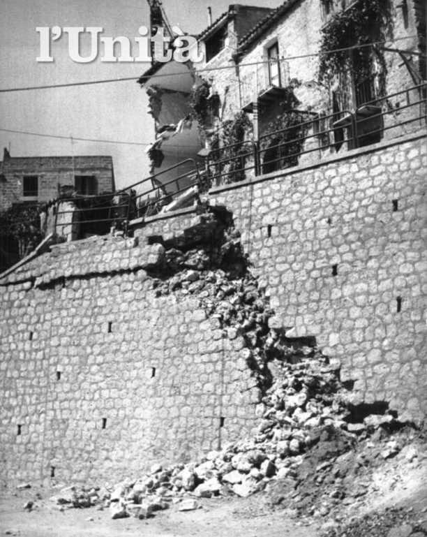 Un'immagine della scandalosa frana di Agrigento.
