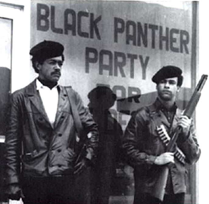 Huey P. Newton (a destra) e Bobby Seale, capi dei Black Panthers.
