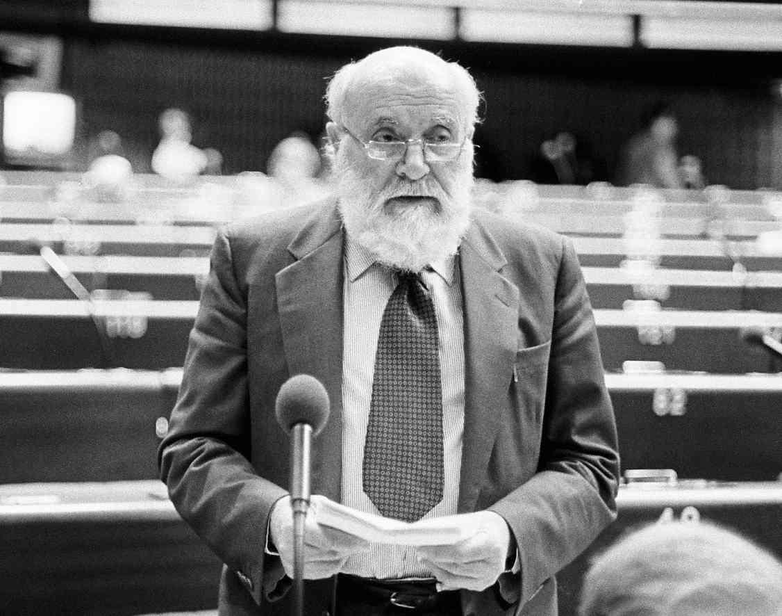 Altiero Spinelli, eurodeputato indipendente nelle liste del Pci.
