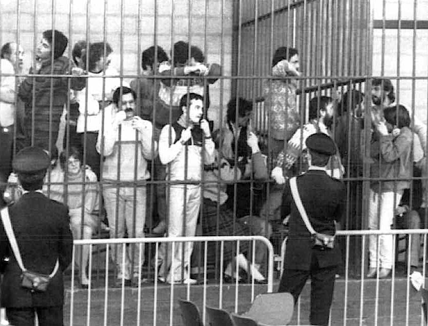 Militanti di Prima Linea durante la lettura della sentenza nel processo di Torino concluso il 10 dicembre 1983.