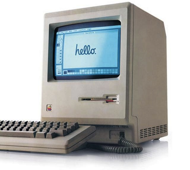 Il 24 gennaio 1984 nasce il Macintosh Plus, primo personal computer con mouse, finestre e icone.