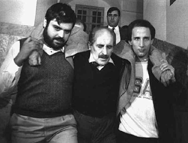 Vito Ciancimino, ex sindaco di Palermo, viene arrestato per associazione mafiosa il 3 novembre 1984 a Palermo.