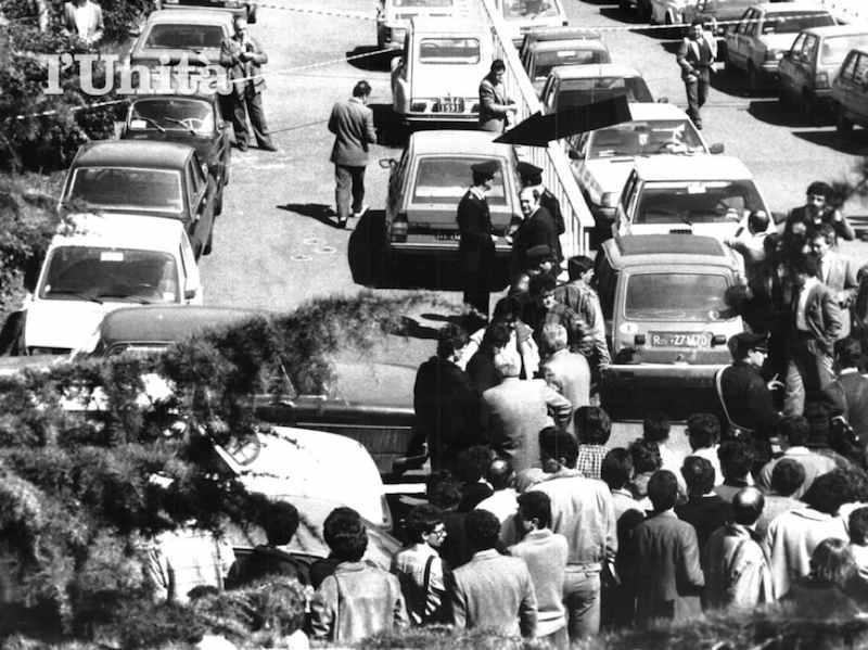 La scena dell'assassinio di Ezio Tarantelli da parte delle Brigate rosse il 27 marzo 1985.