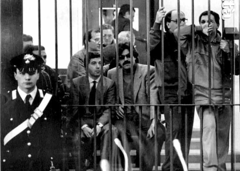 Alcuni degli imputati nel maxiprocesso alla mafia tenuto nel carcere dell'Ucciardone a Palermo dal febbraio 1986.