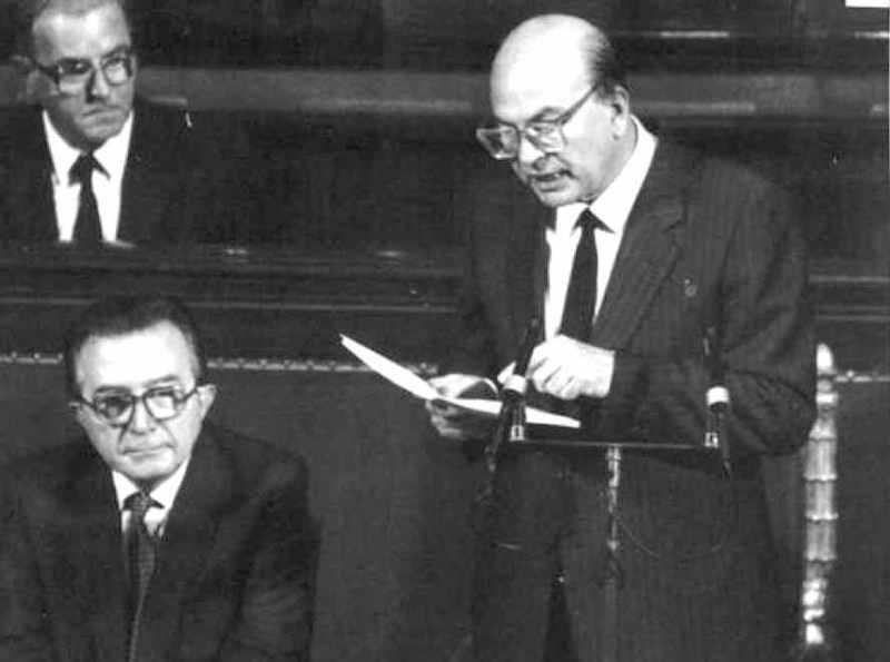 Bettino Craxi il 5 agosto 1987 presenta al Parlamento il suo II governo.
