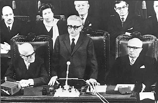 Leone presenta il suo governo alle Camere.