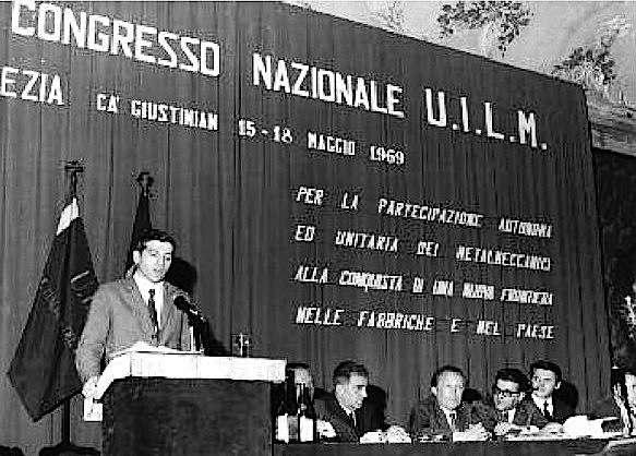 Giorgio Benvenuto alla tribuna del congresso Uilm, che lo elegge segretario generale.
