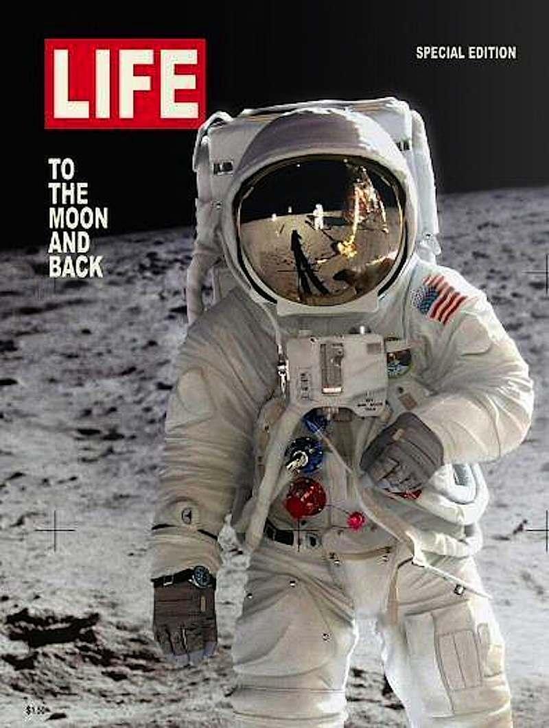 La copertina di Life sullo sbarco sulla Luna.