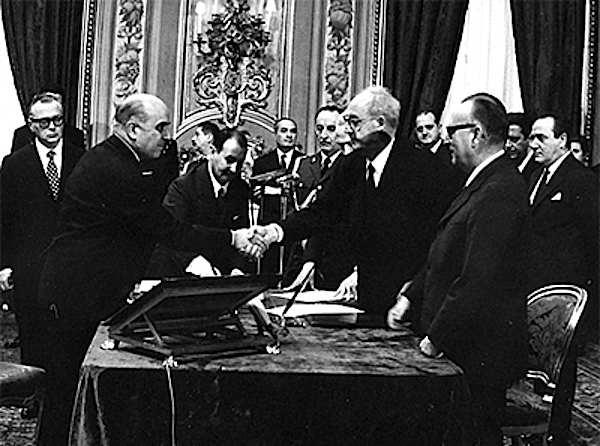 Il III governo Rumor giura nelle mani del Presidente della Repubblica Saragat.